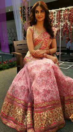 Kriti Kharbanda Bollywood Designer Pink Heavy Embroidery Lehenga