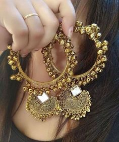 Indian Gold Jewelry Near Me Indian Jewelry Earrings, Jewelry Design Earrings, Indian Wedding Jewelry, Fashion Earrings, Jewelery, Gold Jewelry, India Jewelry, Antique Earrings, Ethnic Jewelry