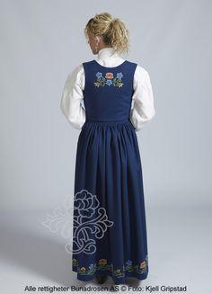 Nordlandsbunad til dame - BunadRosen AS Norway, Beautiful Things, Nature, Dresses, Art, Fashion, Vestidos, Craft Art, Moda