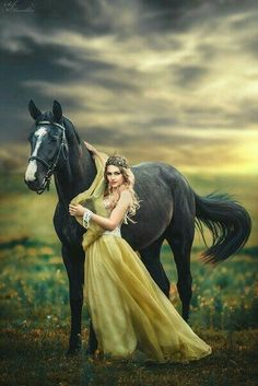 Absolute BEST posing so far that I've added to the board Absolute BEST posing so far that I've added to the board Horse Girl Photography, Fantasy Photography, Equine Photography, Portrait Photography, Pretty Horses, Horse Love, Beautiful Horses, Animals Beautiful, Horse Photos