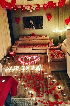21 So Sweet Valentines Day Proposal Ideas ❤ valentines day proposal romantic decor roses candles ❤ More on the blog: https://ohsoperfectproposal.com/valentines-day-proposal/