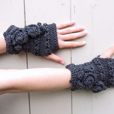 Rose Onie Classic Fingerless Gloves, Hand Warmers - Dark Grey - Meino Wool