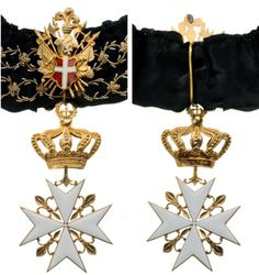 Grand Cross of a Bailiff Grand Cross, Knight of Justice or a Knight of Honour and Devotion (Note the thorn embroidery on the ribbon denoting a Grand Cross). #OrderofMalta #SMOM