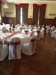 white linen cover with claret bow