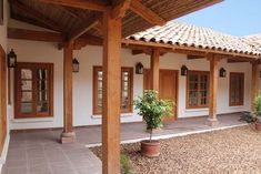 Spanish style homes – Mediterranean Home Decor Hacienda Style Homes, Spanish Style Homes, Spanish House, Village House Design, Village Houses, Fachada Colonial, Mexico House, Patio Interior, Courtyard House