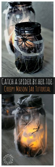 dollar tree diy Halloween Mason Jar Crafts: Tutorial on how to make a creepy light up spider jar for halloween decor, center pieces or scary bathroom night light Deco Haloween, Soirée Halloween, Halloween Mason Jars, Adornos Halloween, Manualidades Halloween, Halloween Birthday, Holidays Halloween, Halloween Bathroom, Halloween Tutorial