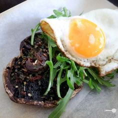Grilled field mushroom with feta, egg and rocket - Wholesome Cook Low Carb Breakfast Easy, Breakfast Menu, Breakfast Recipes, Breakfast Ideas, Brunch Ideas, Grilling Recipes, Beef Recipes, Italian Recipes, Healthy Recipes