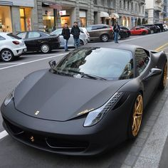 Golden Wheels Ferrari 458