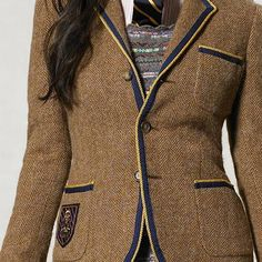 Tweed blazer with piping and crest