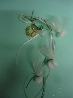 στεφανακι ελιας μεταλλικο Wedding Favors, Pearl Earrings, Brooch, Pearls, Jewelry, Wedding Keepsakes, Pearl Studs, Jewlery, Jewerly