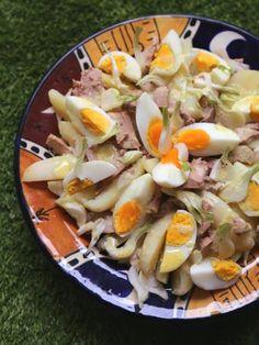Salade de pommes de terre camarguaise / Marmiton / A faire, mais sans les oignons pour mes Minions !
