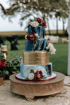 Burgundy wedding cake - Burgundy and Navy Savannah Wedding at Grove Point Plantation – Burgundy wedding cake Jewel Wedding Cake, Jewel Tone Wedding, Wedding Cake Designs, Wedding Colors, Wedding Flowers, Blue Wedding Cakes, Dark Teal Weddings, Navy And Burgundy Wedding, Gold Weddings