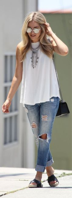 White Flare Tank Only Fashion, Fashion 2017, Plus Size Fashion, Fashion Looks, Fashion Trends, Everyday Fashion, Spring Summer Fashion, Beautiful Outfits, Casual Outfits