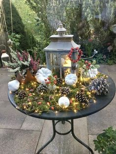 The autumn of its romantic side You can find Herbst tischdekorationen and more on our website.The autumn of its romantic side Decoration Christmas, Fall Decor, Holiday Decor, Romantic Home Decor, Romantic Homes, Christmas Time, Christmas Crafts, Xmas, Decoration Entree