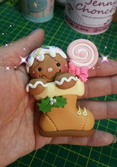 Mini Christmas Cakes, Polymer Clay Christmas, Cute Polymer Clay, Christmas Bows, Polymer Clay Projects, Polymer Clay Creations, Handmade Christmas, Christmas Crafts, Christmas Decorations