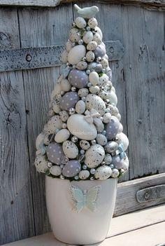 Пасхальные топиарии и декоративные композиции Egg Crafts, Easter Crafts For Kids, Easter Ideas, Easter Tree, Easter Wreaths, Easter Bunny, Easter Parade, Christmas Diy, Egg Tree