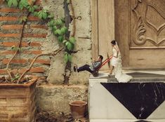 Unique Wedding Photography Poses Turns Couples Into Miniature People. These photo shots will surely blow your mind away. Wedding Photography Poses, Couple Photography, Tilt Shift Photos, Miniature Photography, Pre Wedding Photoshoot, Wedding Shot, Wedding Couples, Creative Video, Photo Manipulation