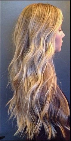 Beach blonde highlights – is this not the best example you've seen? Get this color by booking with the talented Katherine Hyde, who is responsible for this gorgeous look. Call the salon… Good Hair Day, Love Hair, Great Hair, Gorgeous Hair, Winter Hairstyles, Pretty Hairstyles, Cheveux Ombré Hair, Beach Blonde Highlights, Blonde Sombre