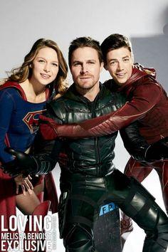 #flash #supergirl #arrow #photoshoot Supergirl Superman, Supergirl And Flash, Glee, Kara Danvers Supergirl, Black Spiderman, The Flash Grant Gustin, Cw Dc, Univers Dc, Dc Tv Shows
