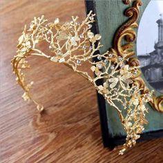 Vintage Baroque Wedding Bridal Hair Gold Crystal Tiara #weddinghairstyles #peinadosartisticos