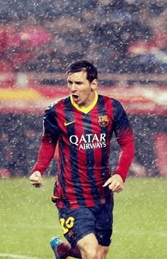 Soccer in the rain & Lionel Messi - one of the most delightful combinations that someone can witness :') Lionel Messi, Messi And Neymar, Messi 10, Messi Soccer, Club Football, Best Football Players, Good Soccer Players, Sport Football, Fc Barcelona
