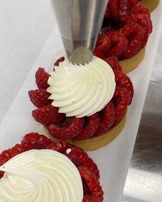 "Karim Bourgi on Instagram: ""Love that one☝️ Raspberries......😋 #karimbourgi #tarte #tarteauxframboises #fruit #season #luxurylifestyle #lifestyle #food #art…"" Dinner Party Recipes, Raspberries, Food Art, Fruit, Lifestyle, Mini, Desserts, Instagram, Food Cakes"