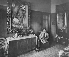 Max Pechstein in his house in Berlin-Zehlendorf, 1915