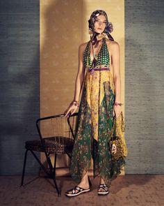 Η Zara παρουσιάζει τη νέα γυναικεία συλλογή για τη σεζόν Άνοιξη Καλοκαίρι  2018. Fashion 3243c7215d8
