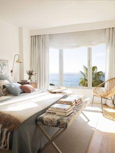 La rénovation d'un appartement avec vue mer - PLANETE DECO a homes world