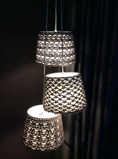 Crochet covers for Ikea lamp.  Ikea lamp gepimpt met gehaakte hoes van Zeeman wol.