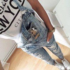 Light Blue Strap Ripped Pockets Denim Jumpsuit-SheIn