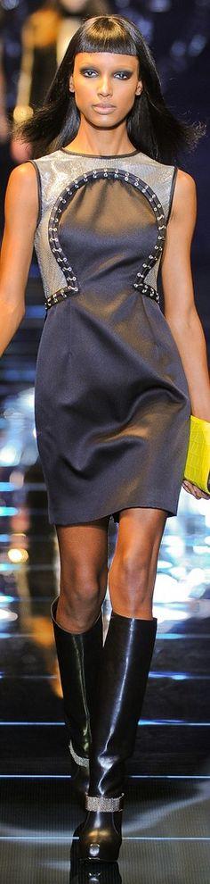 Versace         Fall 2012 Ready-to-Wear