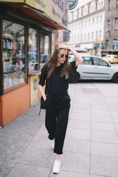 1dcf676e7a0 Street Style  Black   White All Black Outfit