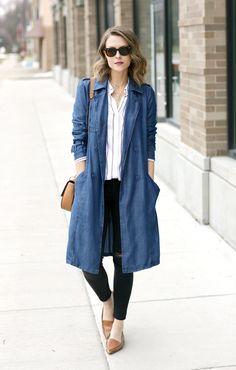 Denim Shirt Dress Outfit, Denim Outfit For Women, Long Denim Coat, Denim Trench Coat, Denim Duster, Duster Coat, Winter Dress Outfits, Denim Shirts, Denim Jeans