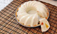 Doriți să vă răsfățați cu ceva dulcișor și sănătos? Preparați acest minunat desert de brânză, care este foarte simplu și ușor de realizat. Acest desert din brânză este foarte gustos, ușor, gingaș și conține puține calorii. Recomandăm acest deliciu tuturor iubitorilor de dulciuri! Ingrediente – 400 g de brânză de vaci – 200 g de …