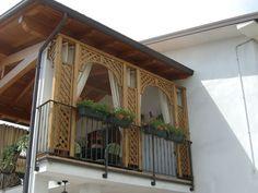 Immagine di http://cdn.valentinoesterni.it/wp-content/gallery/grigliati-e-fioriere-giardino-verona/04-grigliati-decorativi-su-terrazzo.jpg.