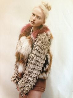 Loopy yarn shrug under a fur vest. (Vests are much more versital than coats). Love Fashion, High Fashion, Fashion Design, Fashion Trends, Fashion Shoot, Fur Fashion, Laurence Anyways, Bohemian Girls, Fabulous Furs