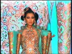 Hong Kong Fashion Extravaganza 2010 - Guo Pei