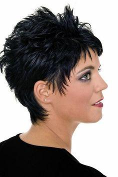 Schicker Pixie Cut Kurzhaaarfrisur: Chic Pixie Cut – more hairstyles: www.your-wellness -… Short Spiky Hairstyles, Short Choppy Hair, Funky Short Hair, Braids Hairstyles Pictures, Short Hair Cuts For Women, Short Hairstyles For Women, Wedge Hairstyles, Cheveux Courts Funky, Corte Pixie