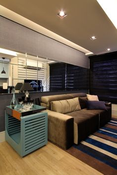 Danielle Garros Arquitetura + Design: Apartamento Masculino - Estar, Jantar e Cozinha integrada