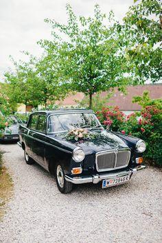 #hochzeitsauto Hochzeitsauto Rustikal schicke Hochzeit mit mediterranem Flair von Bernhard Luck | Hochzeitsblog - The Little Wedding Corner