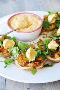 Vegan Stuffed Mexican Potato Skins with almond creamy cheese Vegan Mexican Recipes, Delicious Vegan Recipes, Healthy Recipes, Vegetarian Mexican, Healthy Food, Vegan Foods, Vegan Snacks, Vegan Dishes, Mexican Potatoes