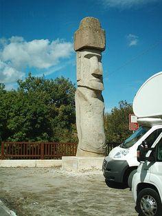 Statua Moai (Vitorchiano, Italy): Top Tips Before You Go - TripAdvisor