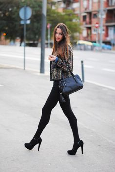 High heels with black leggings #streetstyle