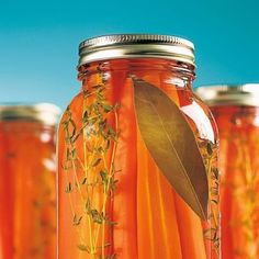 Conserves de carottes au miel et thym – Recettes – Cuisine et nutrition – Pratic… Canned carrots with honey and thyme – Recipes – Cooking and nutrition – Pratico Pratique Kefir, Pickles, Canned Carrots, Food Storage, Thyme Recipes, Marinade Sauce, Recipe Filing, Cheese Salad, Stuffed Sweet Peppers