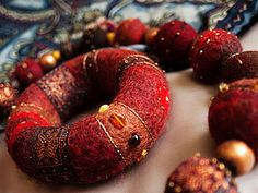 Simple picture tutorial for this wet felted bracelet from…