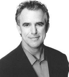 Jay Thomas, de son vrai nom Jon Thomas Terrell, est un acteur, humoriste et animateur de radio américain né le 12 juillet 1948, à Kermit, Texas.