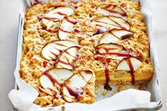 {Apple and caramel custard torta} Slice through the crumbly nut topping to reveal the apple & custard layer. Apple Desserts, Apple Recipes, Sweet Recipes, Baking Recipes, Dessert Recipes, Baking Ideas, Dessert Ideas, Sweet Pie, Sweet Tarts