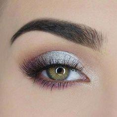 Grey Eye Makeup, Silver Eye Makeup, Makeup For Green Eyes, Eye Makeup Tips, Eyeshadow Makeup, Makeup Ideas, Metallic Eyeshadow, Silver Eyeshadow Looks, Makeup Brushes