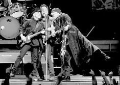 Bruce Springsteen Photos Photos - Bruce Springsteen and ...
